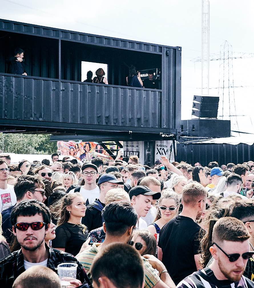 lucid-bulldog-arena-daytime-crowd@2x