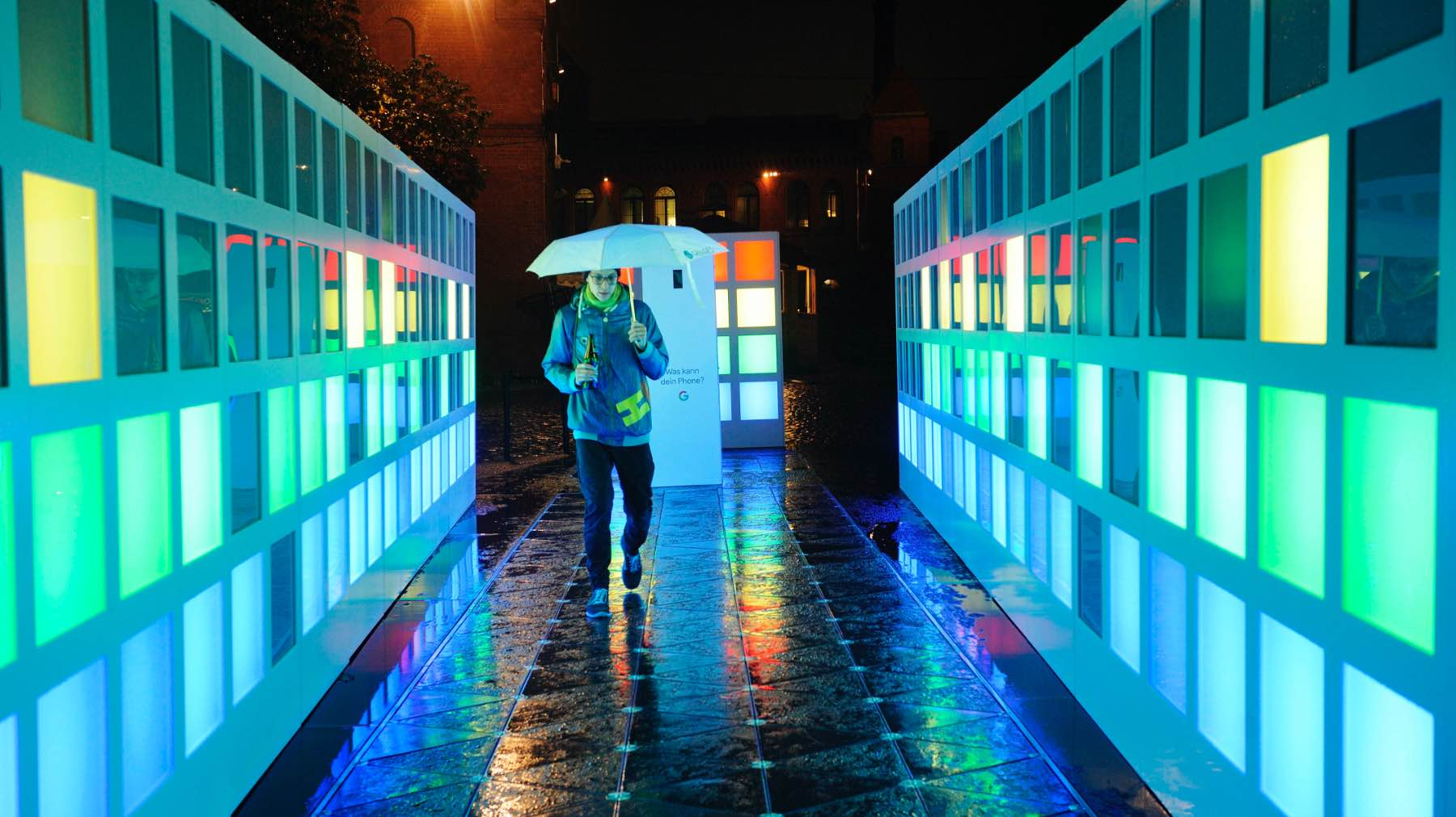 lucid-google-light-installation-1@2x