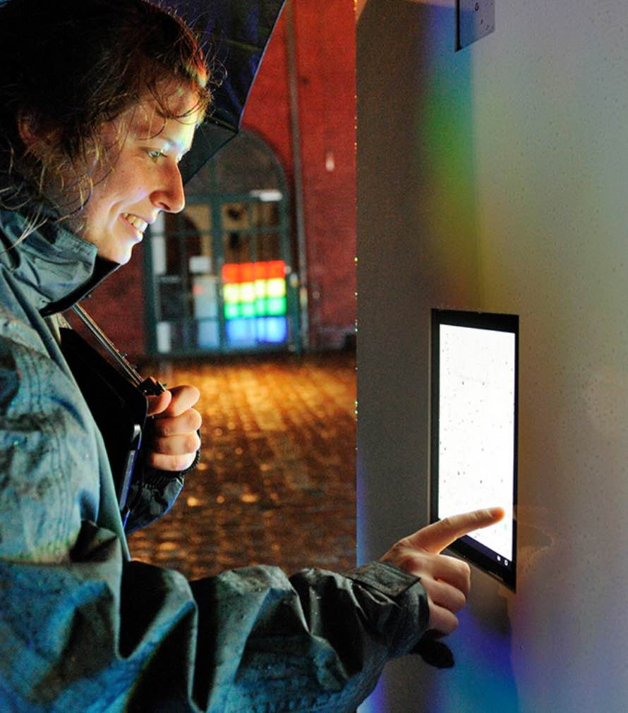 lucid-google-light-installation-3@2x