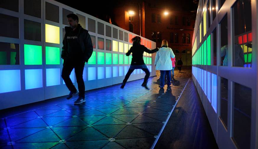 lucid-google-light-installation-8@2x