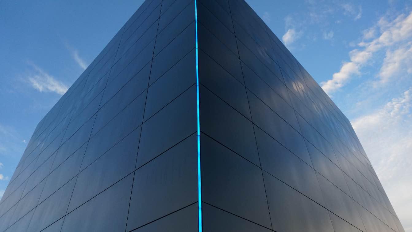 lucid-samsung-hypercube-2@2x