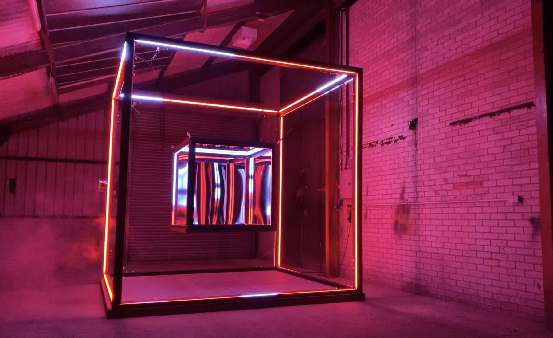 LUCID-EXPONENTIAL-INSTALLATIOn-LIGHT-CUBE