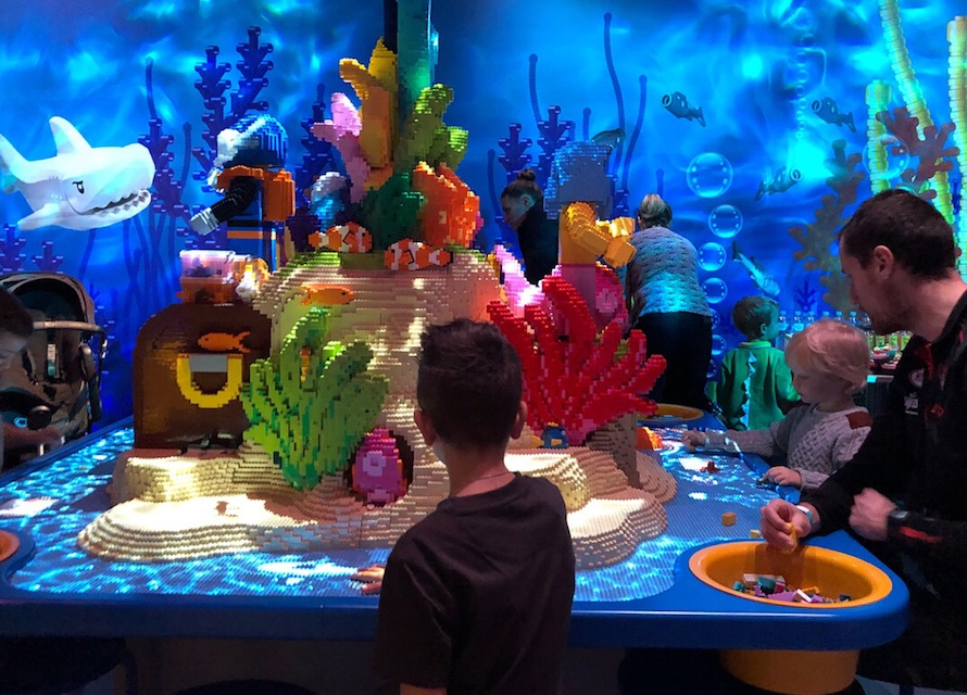 lego-table-underwater-luci